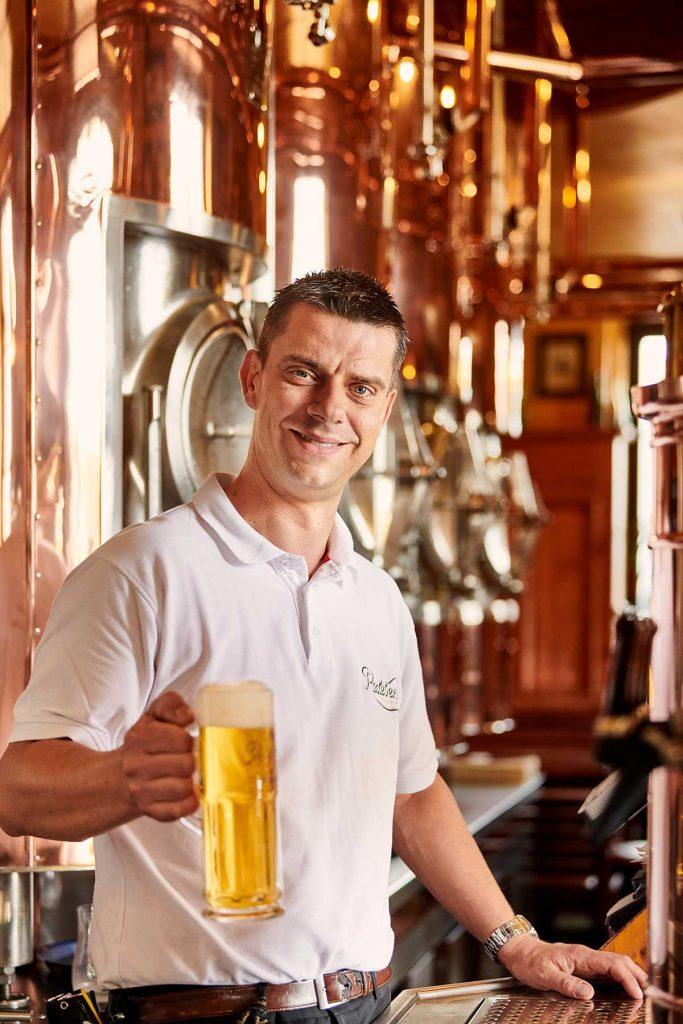 Radeberger Spezialausschank Dresden Barkeeper
