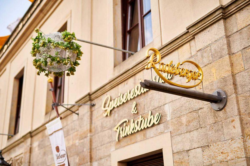 Bier in Dresden - Speisekarte & Getränke - Eingangsbereich