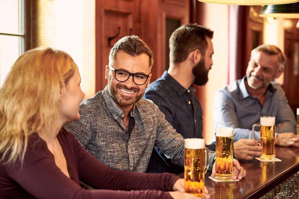 Radeberger Spezialausschank Dresden Gruppe - Thekengespräche